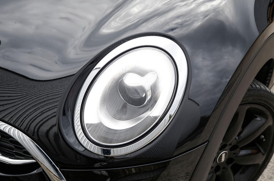 Mini Cooper S All4 Clubman xenon headlights