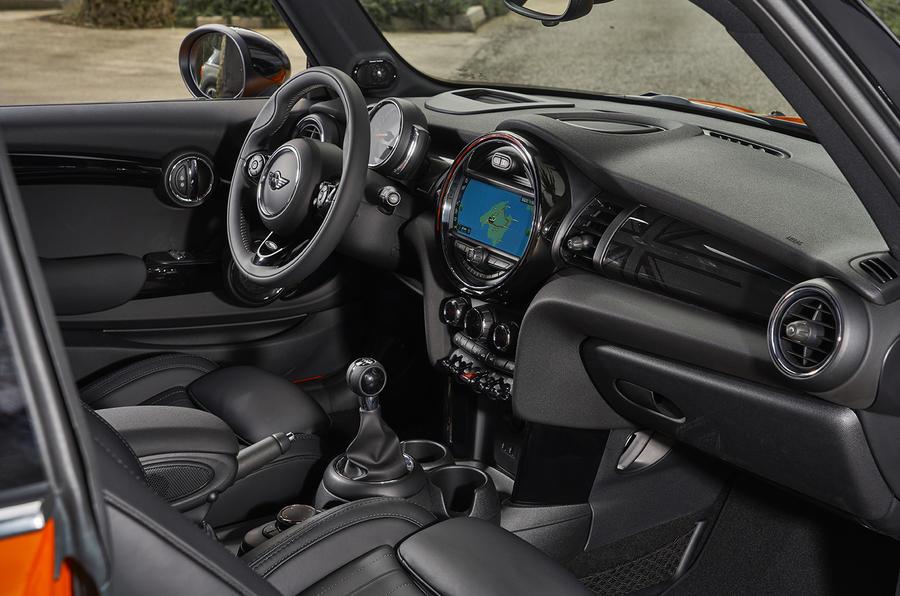 Mini F56 Facelift >> Mini Cooper S 3-door Hatch 2018 review | Autocar