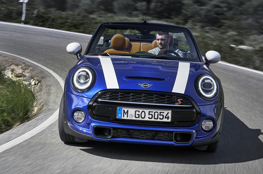 Mini Cooper S Convertible 2018 review cornering front