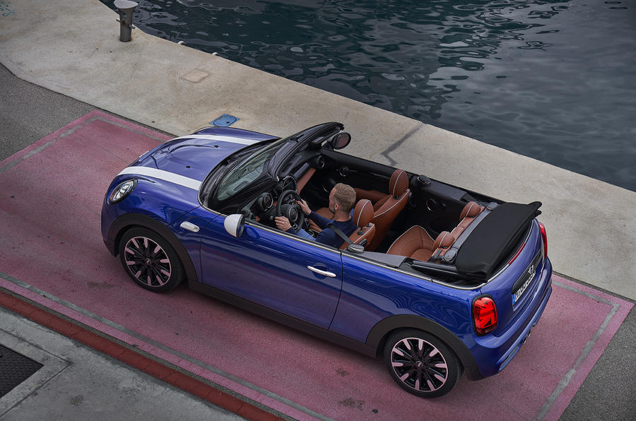 Mini Cooper S Convertible 2018 review roof off