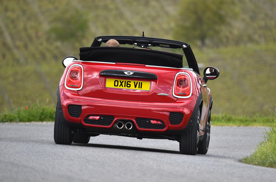 2016 mini john cooper works convertible uk review review. Black Bedroom Furniture Sets. Home Design Ideas