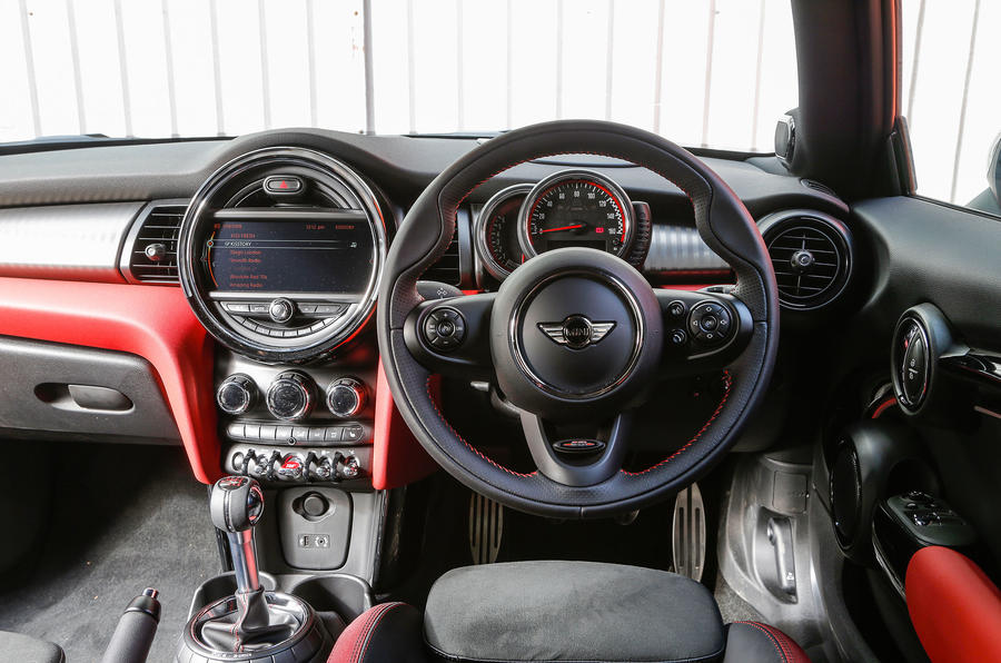 Mini JCW hatch dashboard