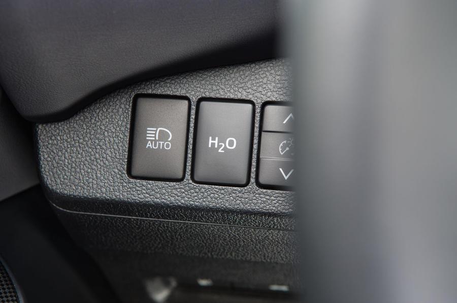 Toyota Mirai water release