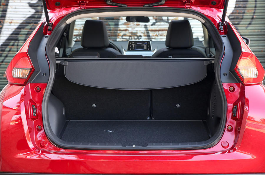 Mitsubishi Eclipse Cross boot space