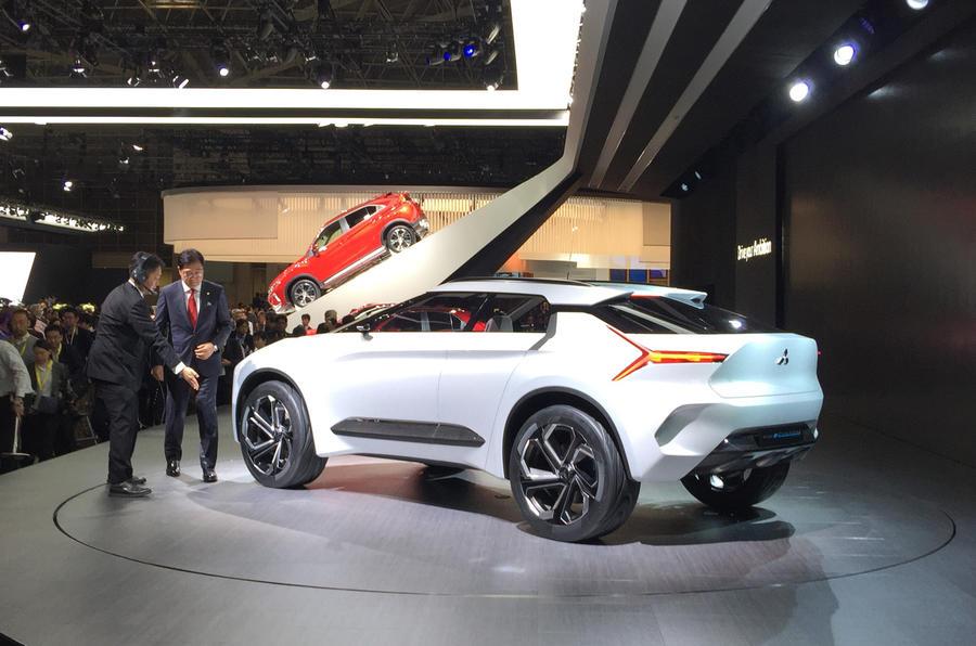Mitsubishi e-Evolution SUV concept