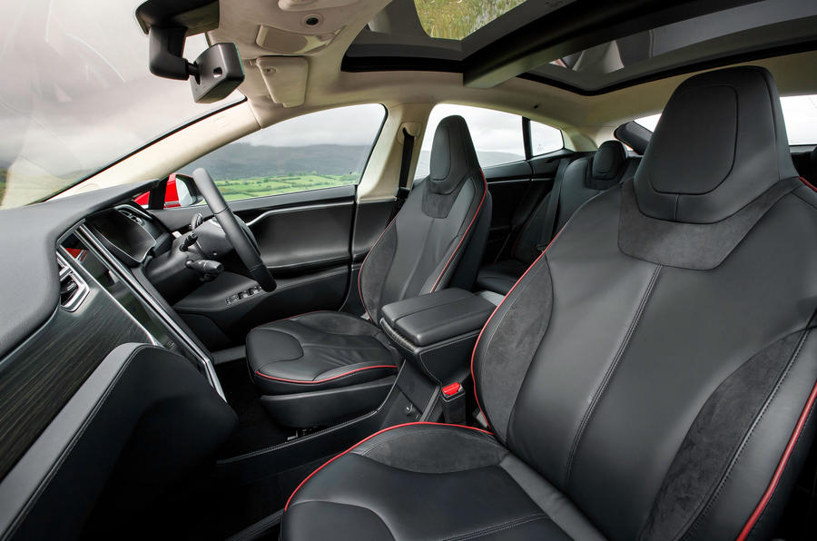 Tesla Model S 7.0 interior