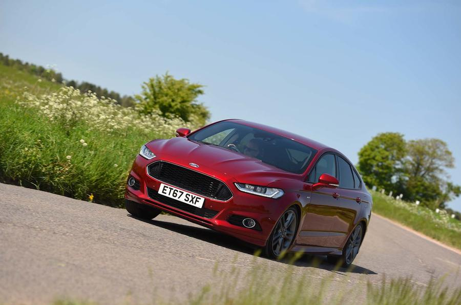 Ford Mondeo cornering - front