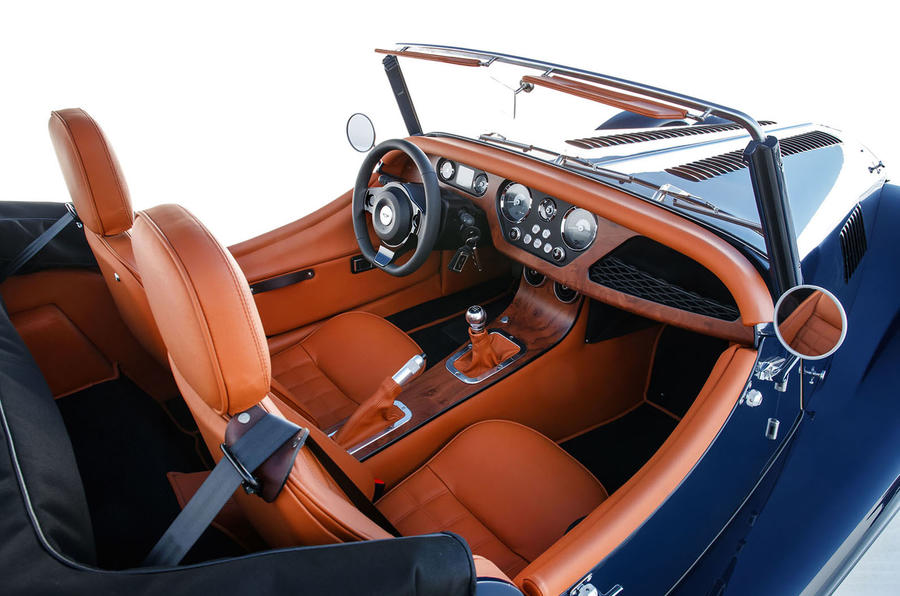 2020 Morgan Plus Four - dashboard