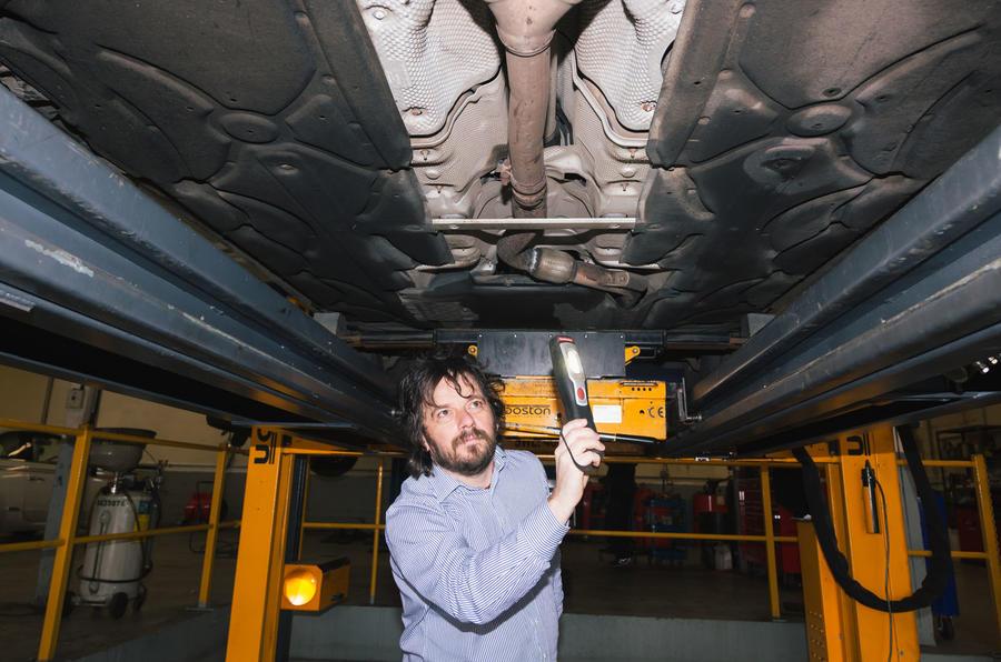 Motest car testing - floorpan inspection