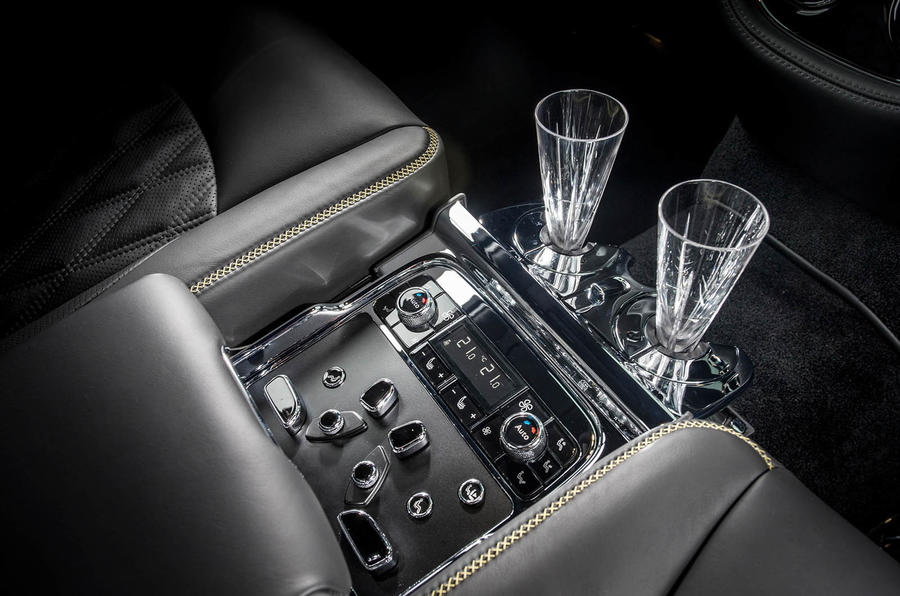 Bentley Mulsanne Speed rear controls