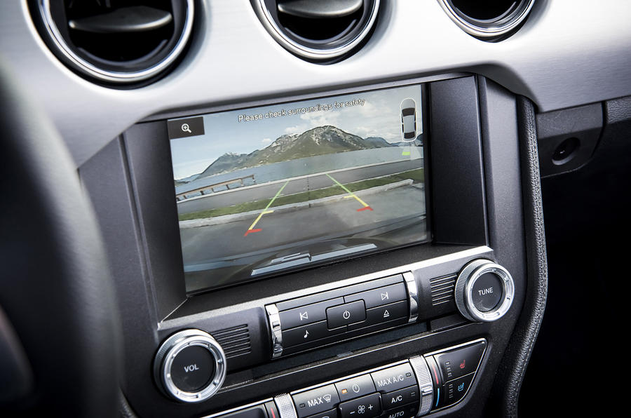 Ford Mustang reversing camera