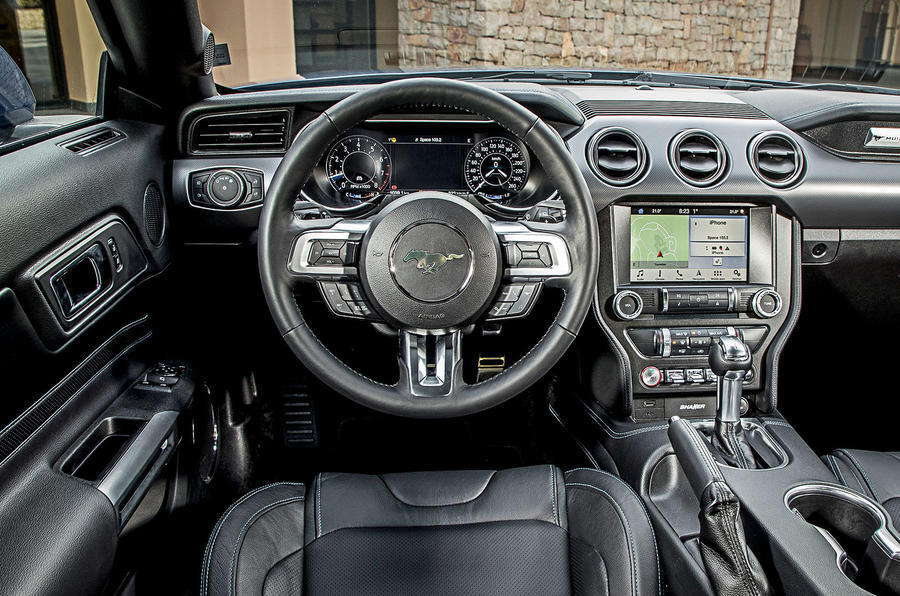 Ford Mustang 2.3 EcoBoost 2018 review steering wheel