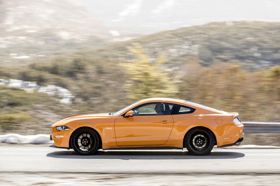 Ford Mustang profile
