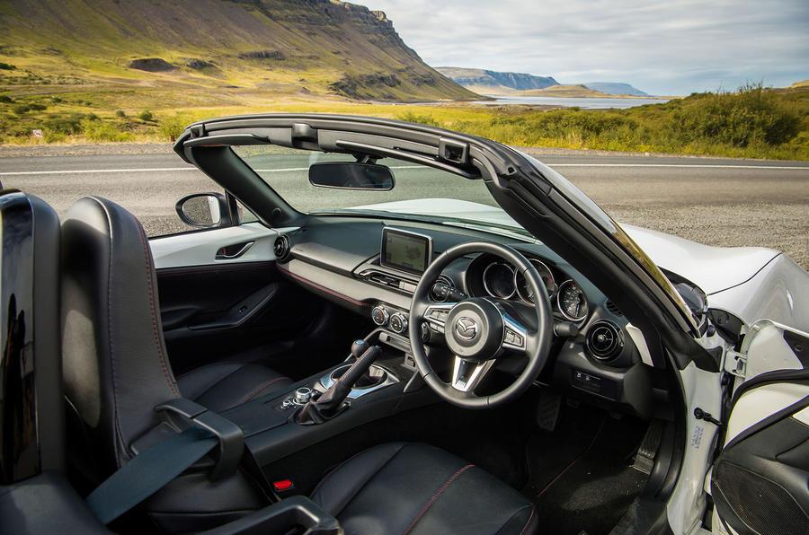 Mazda MX-5 Icon interior