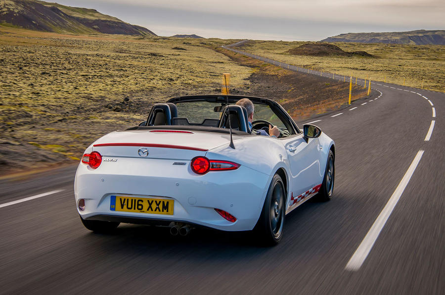 Mazda MX-5 Icon roof down