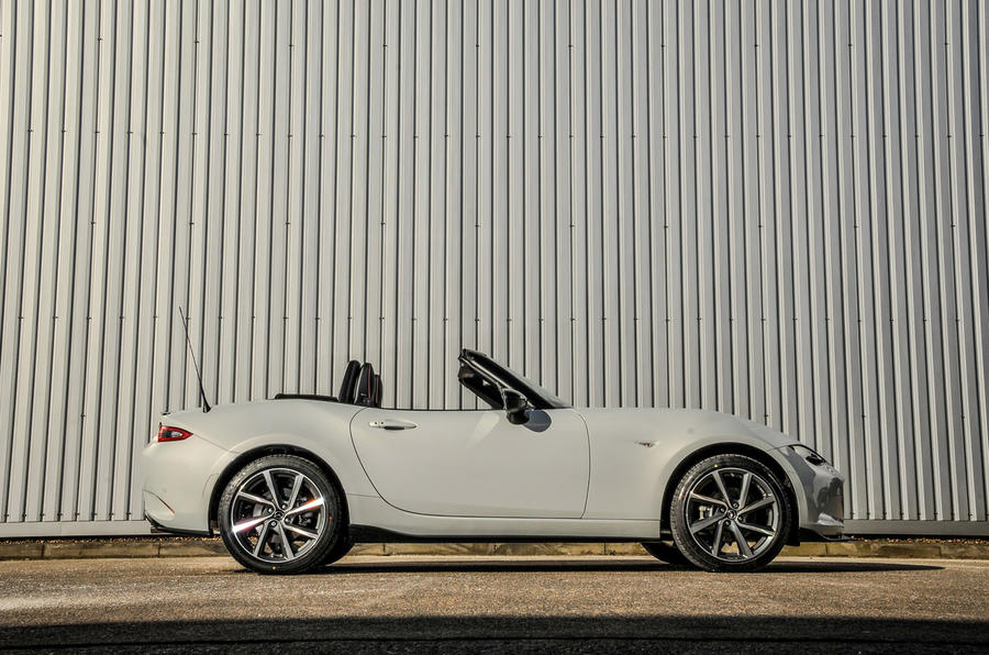 Mazda MX-5 Recaro roof down