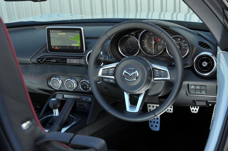 Mazda MX-5 Recaro Sport dashboard