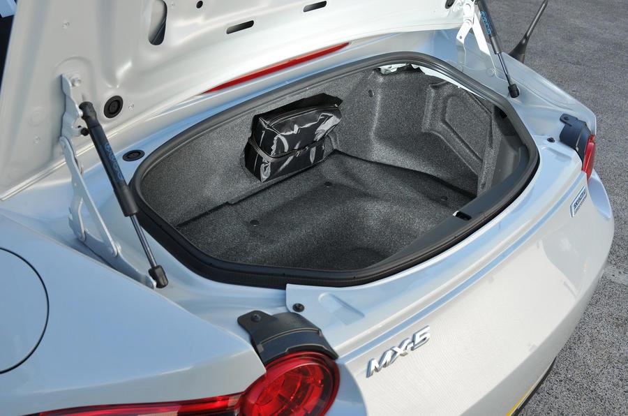 Mazda MX-5 Recaro boot space