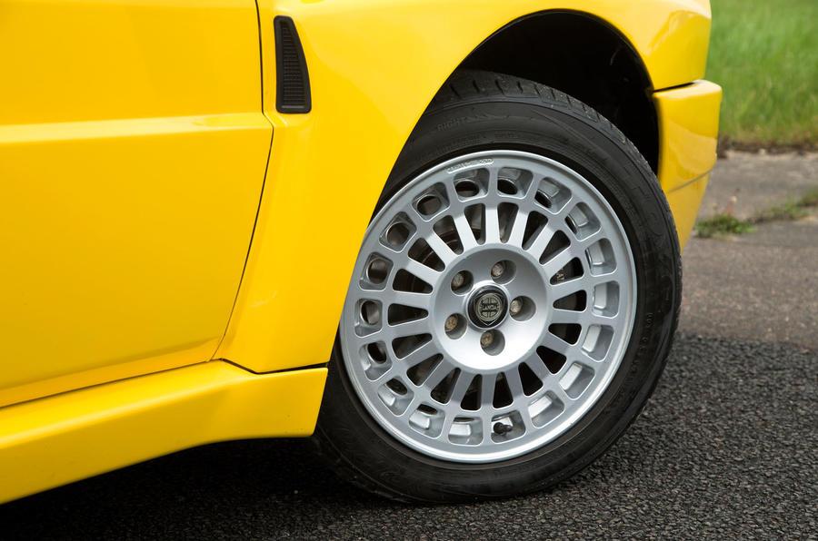 Lancia Delta HF Integrale Evo 1