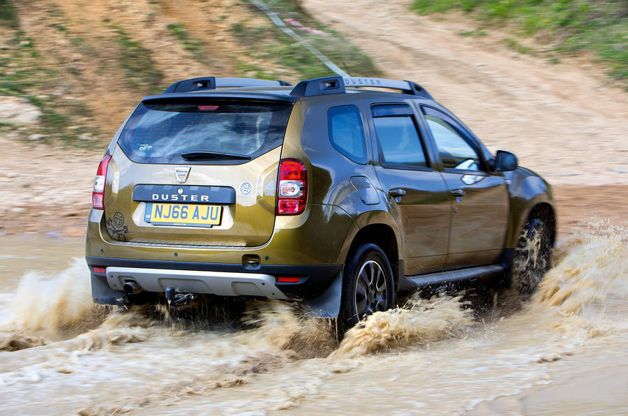 Dacia Duster - wading