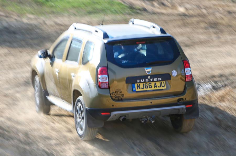 Dacia Duster - dust trail