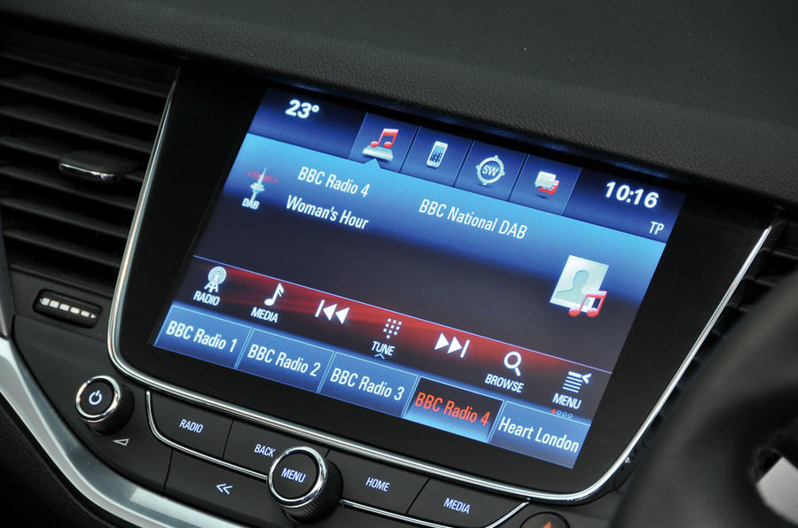 Vauxhall Astra 2015-2018 nearly new buying guide - infotainment