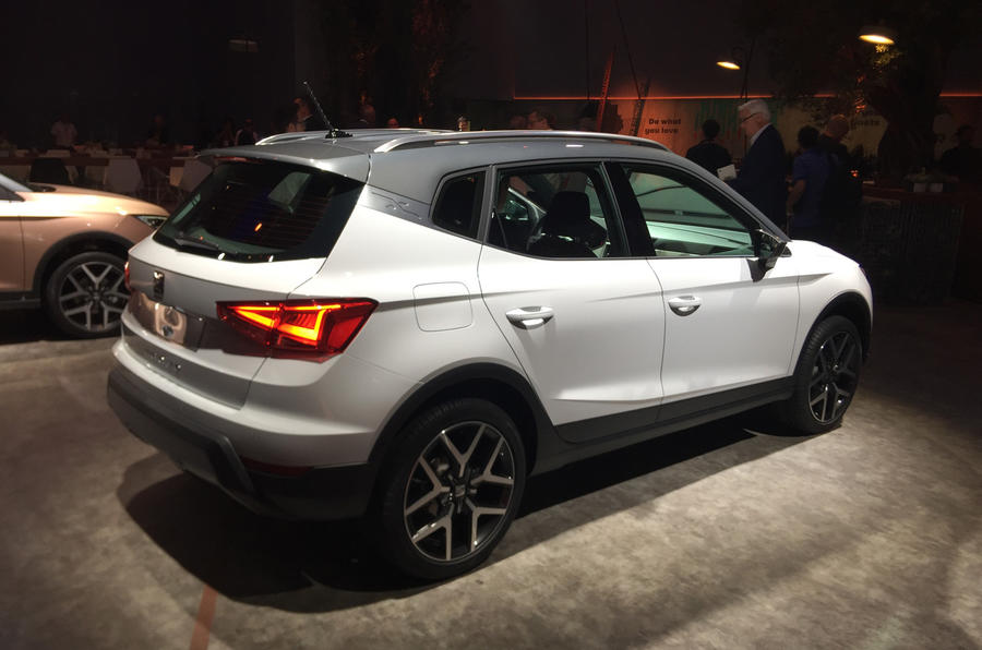 Seat unveils the Arona SUV