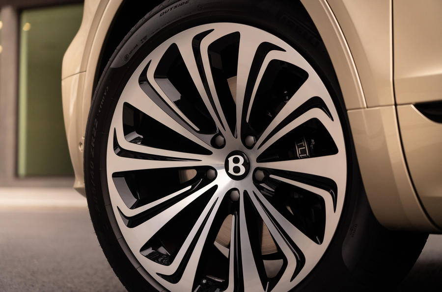 2021 Bentley Bentyaga Hybrid - wheel