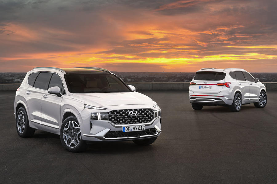 2020 Hyundai Santa Fe - front and rear
