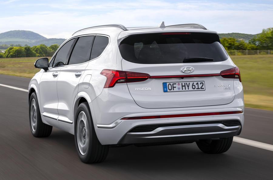2020 Hyundai Santa Fe - rear
