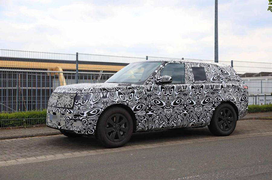 New Range Rover spyshot front side