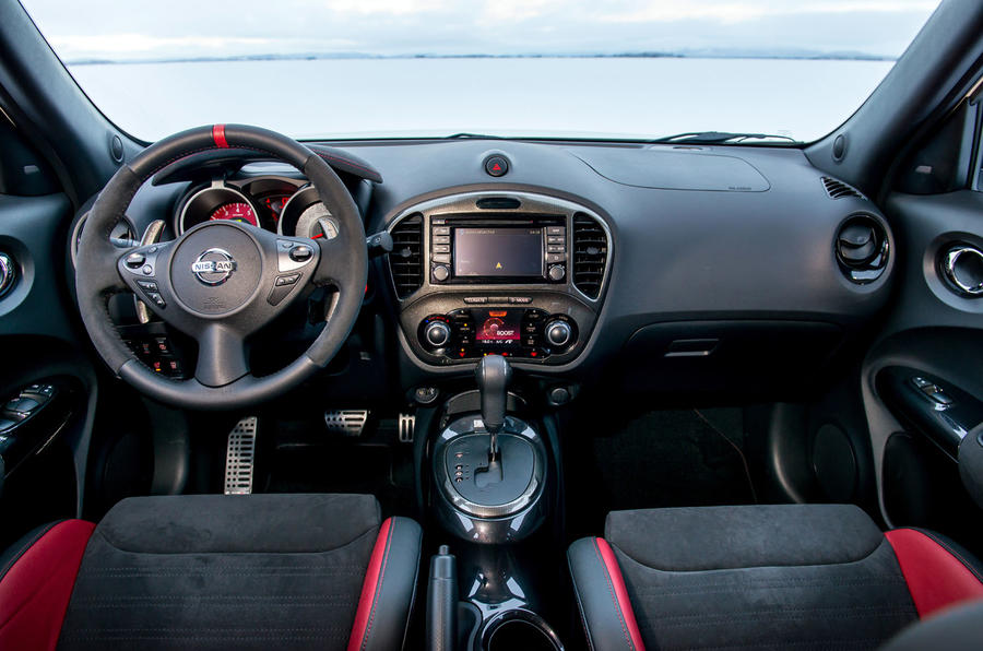 Nissan Juke Nismo RS dashboard