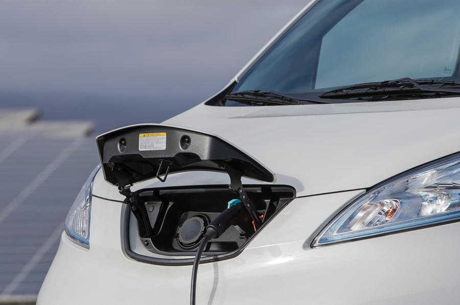 Nissan e-NV200 Evalia charging port