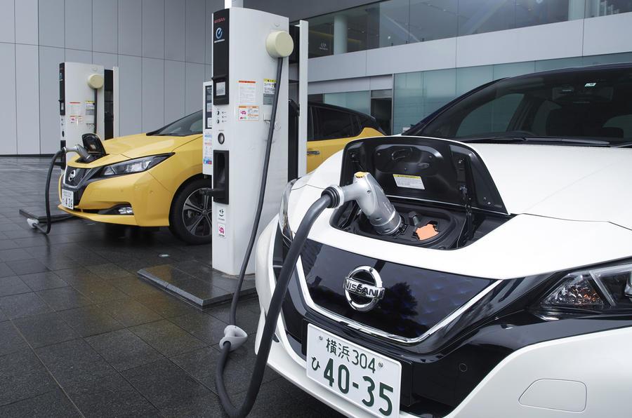 Nissan Leaf 2018 charging up