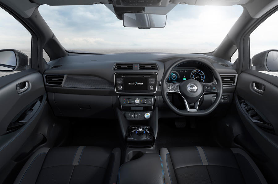 Nissan Leaf 2018 dashboard