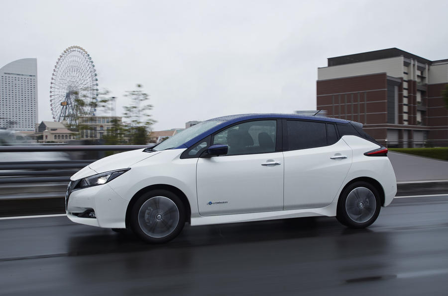Nissan Leaf 2018 side profile
