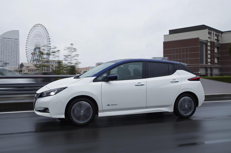 Nissan Leaf 2018 side profile
