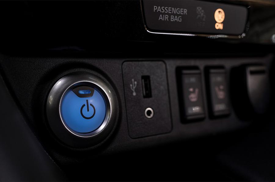 Nissan Leaf ignition button