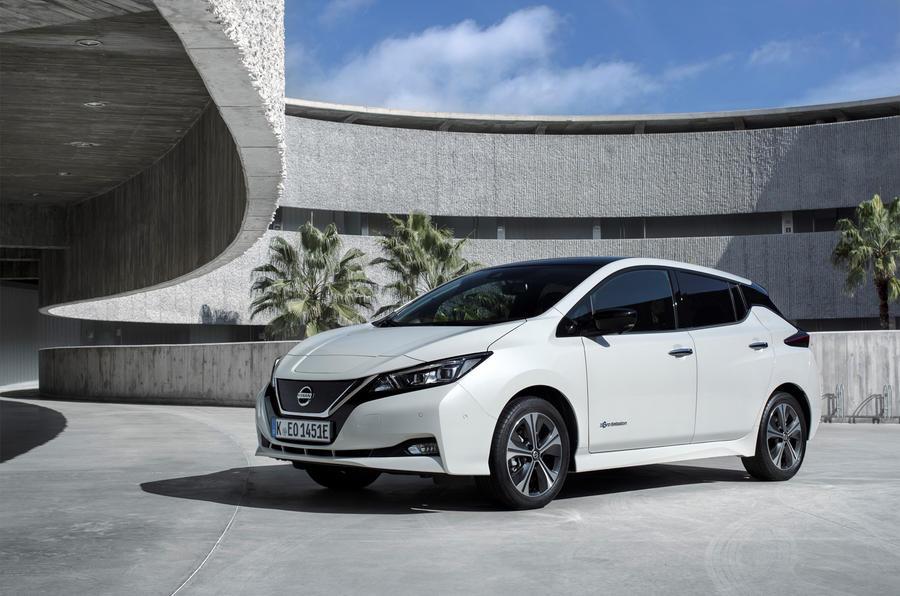 Nissan Leaf 4-star car