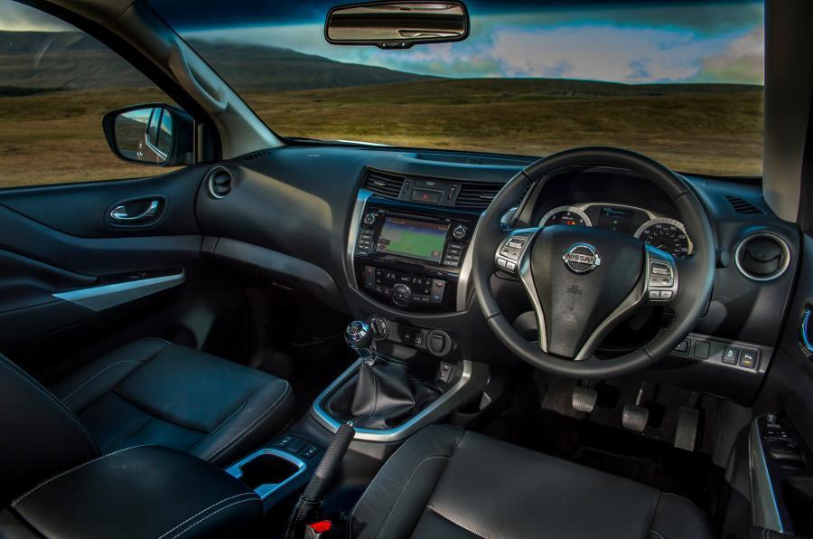 Nissan Navara Trek-1° dashboard