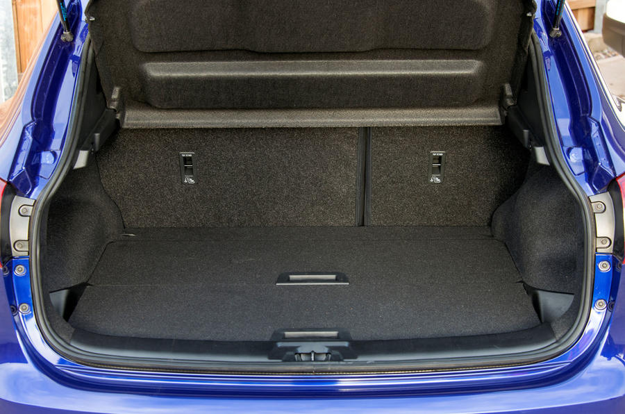 Nissan Qashqai boot space