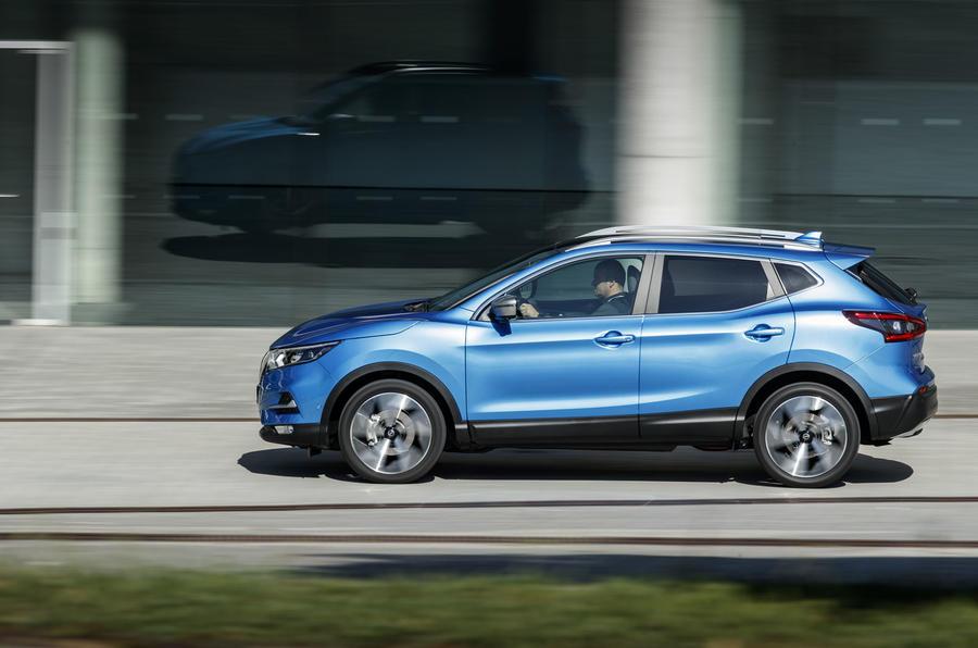 Nissan Qashqai 2018 side image