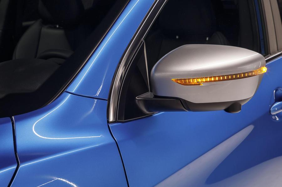 Nissan Qashqai 2018 wing mirror image