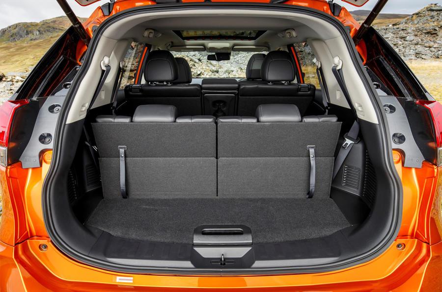 nissan x trail 1 6 dig t 2017 uk review autocar. Black Bedroom Furniture Sets. Home Design Ideas