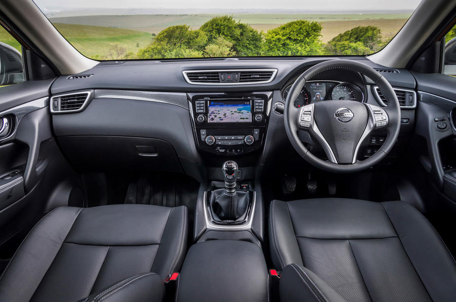 Nissan X-Trail dashboard
