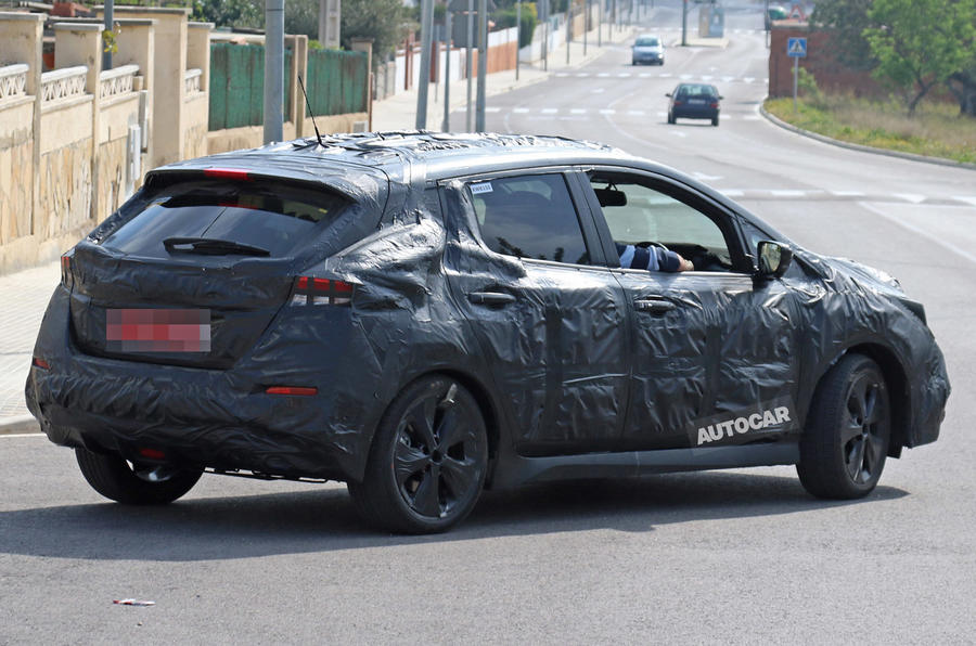 Nissan Leaf 2018 60kwh >> 2018 Nissan Leaf spotted for the first time | Autocar