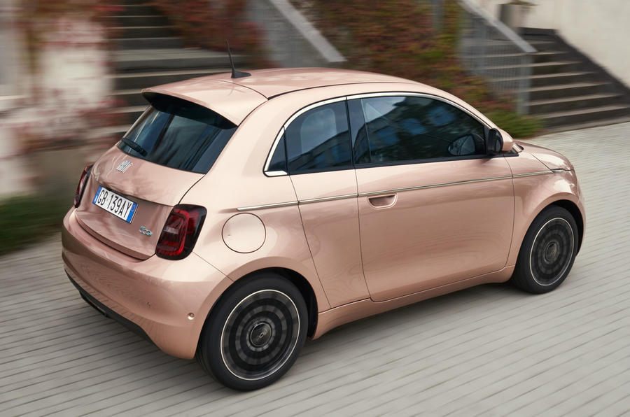 Fiat 500 3+1 official images - tracking rear