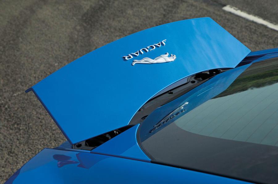 Jaguar F-Type spoiler