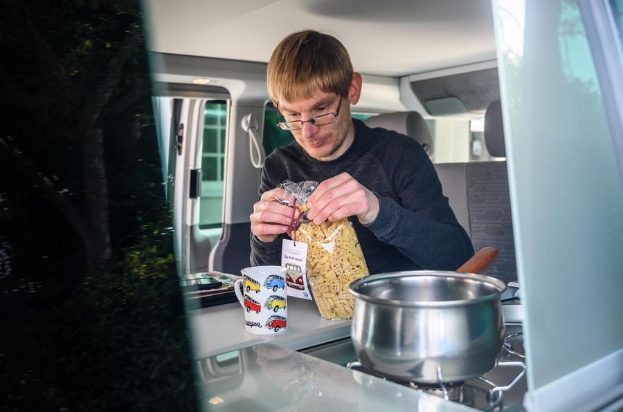 2020 Volkswagen California - cooking