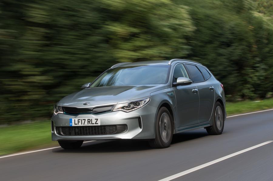 Kia Niro and Optima Sportswagon plug-in hybrids revealed